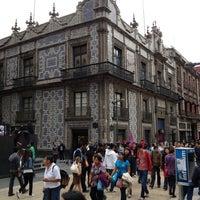 Photo taken at Corredor Peatonal Madero by Martin H. on 5/13/2012