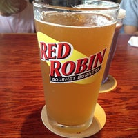 Photo taken at Red Robin Gourmet Burgers by Susan P. on 8/4/2013