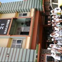 Photo taken at SMA Negeri 21 Makassar by citra c. on 12/3/2012