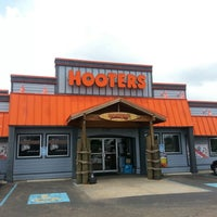 Photo taken at Hooters by Jericho C. on 7/9/2012