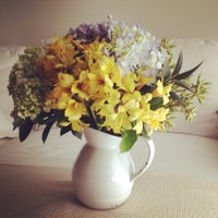 Photo taken at e por falar em flores... by e por falar em flores... on 3/12/2014