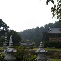 Photo taken at 광명선원 (光明禪院) by Jung Hyun B. on 9/9/2014