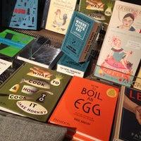 Das Foto wurde bei ocelot, not just another bookstore von André R. am 2/6/2013 aufgenommen