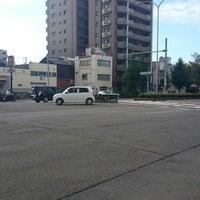 Photo taken at 堀川仏光寺 交差点 by coma2619【salon夕顔楼】 間. on 8/4/2014