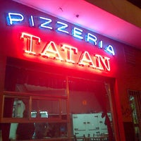 Photo taken at Pizzeria Tatan by Pablo Nicolas M. on 8/22/2014