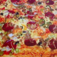 Photo taken at Pizzeria Ponte by Bahoz R. on 3/23/2014