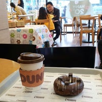 Photo taken at DUNKIN' DONUTS by Taewoo K. on 3/28/2013