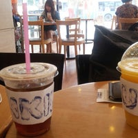 Photo taken at DUNKIN' DONUTS by Taewoo K. on 7/5/2013
