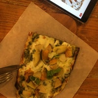 Photo taken at Trevia Pizza di Roma by Zooey on 7/19/2016