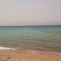Photo taken at South Beach - Aqaba by Einz on 4/14/2013
