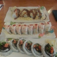 Photo taken at Hanaoka Japanese Restaurant by Cheryl S. on 5/25/2013