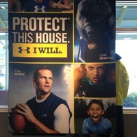 Photo taken at Under Armour by Fermin B. on 10/12/2012