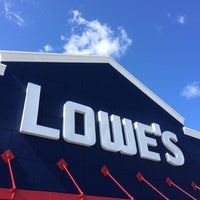 Photo taken at Lowe's Home Improvement by Tigpro I. on 7/9/2014