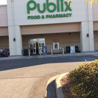 Photo taken at Publix by Shahn-Ryan S. on 10/31/2016