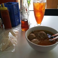 Photo taken at Bakso Jawir by Lovely T. on 9/4/2013