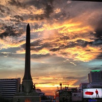 Photo taken at Victory Monument by TATUM S. on 5/29/2013