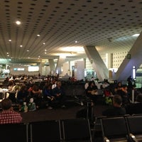 Photo taken at Sala/Gate 54 by R@Y on 3/23/2013
