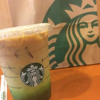 Photo taken at Starbucks by Napatsorn on 9/29/2016