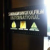 Photo taken at บริษัท สหมงคลฟิล์ม อินเตอร์เนชั่นแนล จำกัด (Sahamongkolfilm International Co., Ltd.) by Datsakorn S. on 7/30/2013