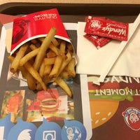 Photo taken at Wendy's by Sharifah H. on 8/1/2016
