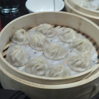 Photo taken at Din Tai Fung Dumpling House by Tom D. on 1/3/2014