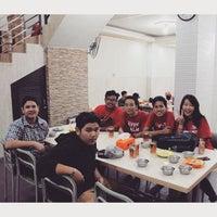 Photo taken at Nasi Uduk & Ayam Goreng Toha by Velia J. on 9/6/2015