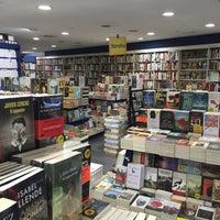 Photo taken at Librerías Crisol by Daniel F. on 10/6/2015