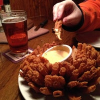 Photo taken at Outback Steakhouse by Hank R. on 1/25/2013