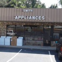 Photo taken at Smith Appliance by Yext Y. on 9/30/2016