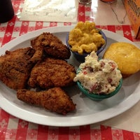 Photo taken at Memphis Minnie's BBQ by Chris V. on 12/9/2012