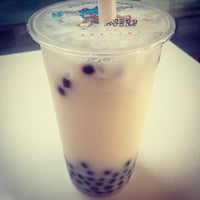 Photo taken at Nine Street Smoothie Bubble Tea by Jenna G. on 7/5/2013