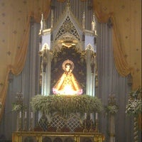 Photo taken at National Shrine of Our Lady of the Holy Rosary of La Naval de Manila (Sto. Domingo Church) by Πέρυ (Perry) T. (佩裏) P. on 10/13/2012