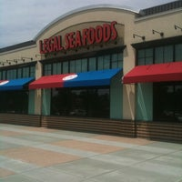 Photo taken at Legal Sea Foods by Wilt S. on 6/2/2012