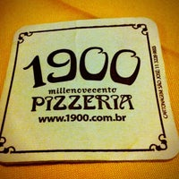 Photo taken at 1900 Pizzeria by Tati G. on 7/27/2012