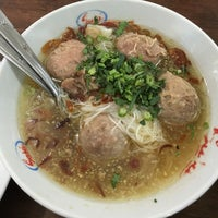 Photo taken at Bakso Mas Kumis by Andre M. on 4/26/2016