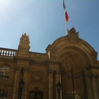 Photo taken at Palais de l'Élysée by Rva on 4/20/2013