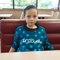 Photo taken at Wendy's by Cane G. on 10/10/2014