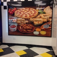 Photo taken at Little Caesars Pizza by Richard L. on 1/28/2014