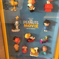 Photo taken at McDonald's by Lena K. on 11/13/2015