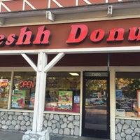 Photo taken at Freshh Donuts by Lena K. on 6/21/2016