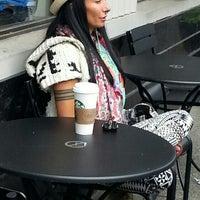 Photo taken at Starbucks by Olga P. on 5/22/2016