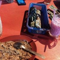 Photo taken at Medan Selera Perhentian Bas Bentayan by Fatin Z. on 9/13/2016