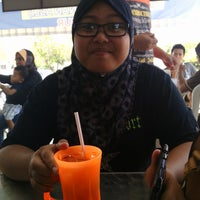 Photo taken at Restoran Mohd Firdaus Tan by Sayat F. on 8/11/2014