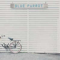 Photo taken at Blue Parrot by Kinjil M. on 6/28/2015
