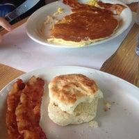 Photo taken at Pancake Farm Restaurant by Bobby N. on 11/22/2014