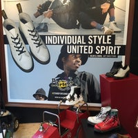 Photo taken at Dr. Martens by 小林 勝. on 3/2/2016