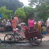 Photo taken at Pasar Keputran Utara by Gaestakizawa A. on 12/6/2014