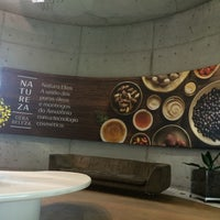 Photo taken at Natura Cosméticos by Dilmara S. on 9/9/2016