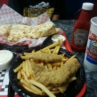 Photo taken at Legends Burgers by Ernie E. on 11/28/2013