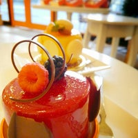 Photo taken at Patisserie l'abricotier by Maa_KOTO on 8/16/2015